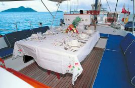 High Aspect   Ketch  22M Interior 3