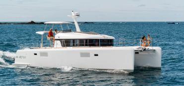 Lagoon Motoryacht 40 Lagoon Catamaran Exterior 2
