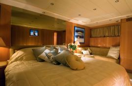 Indulgence of Poole  Overmarine Mangusta 85 Interior 2