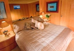 Indulgence of Poole Overmarine Mangusta 85 Interior 3