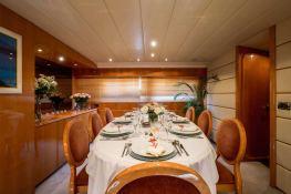 Indulgence of Poole  Overmarine Mangusta 85 Interior 12