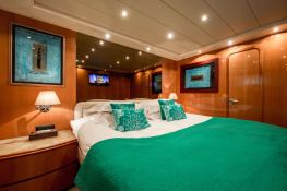 Indulgence of Poole  Overmarine Mangusta 85 Interior 8