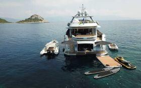 Funky Choice (ex Meya Meya) Logos Marine Yacht 35M Exterior 4