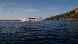 Cristobal (ex Alexandra V) Princess Yachts Princess  95 Exterior 2