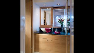 Manhattan 64' Sunseeker Interior 5