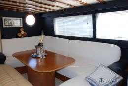 Ketch  25M  Interior 1