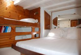 Ketch  25M  Interior 3