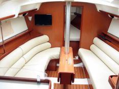 Oceanis 343 Beneteau Interior 1