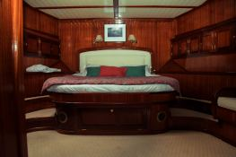 Smart Spirit I   Schooner 28M Interior 3