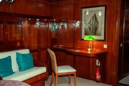 Smart Spirit I Schooner 28M Interior 6