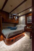 Smart Spirit I   Schooner 28M Interior 22