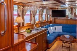 Smart Spirit I   Schooner 28M Interior 13