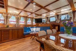 Smart Spirit I   Schooner 28M Interior 14