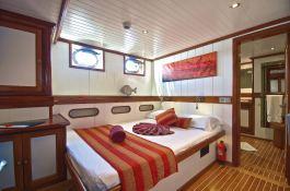 Cabin Double Fregate & Silhouette