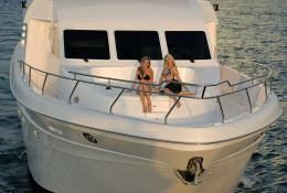 Yacht 86 Gulf Craft Exterior 2