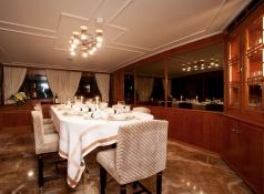 Secret Life (ex Al Mahboba) Feadship Classic yacht 45M Interior 3