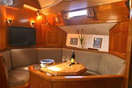 Sloop 60' Interior 1