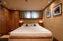 Cappuccino  Tigullio Yacht 32M Interior 5