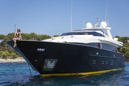 Cappuccino  Tigullio Yacht 32M Exterior 6
