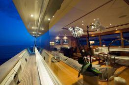 Cappuccino  Tigullio Yacht 32M Exterior 12