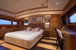 Cappuccino  Tigullio Yacht 32M Interior 6