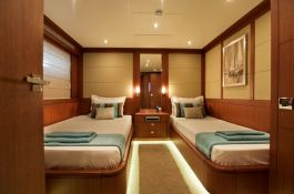 Sunkiss  Nedship Yacht 33M Interior 4