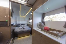 MY 37 Fountaine Pajot Interior 4