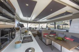 MY 37 Fountaine Pajot Interior 1