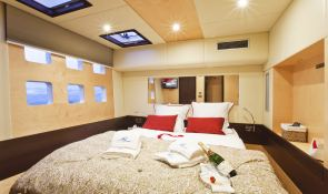 Muse  Sunreef Catamaran Sail 70' Interior 5