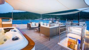 Mykonos Gulf Craft Yacht 107 Exterior 5
