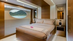 Mykonos Gulf Craft Yacht 107 Interior 5