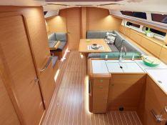 Sun Odyssey 419 Jeanneau Interior 3