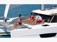 Lucia 40 Owners Version Exterior 3