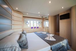 Yacht 620 Ferretti Interior 9