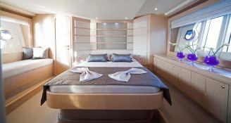 Yacht 620 Ferretti Interior 7