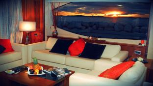 Yacht 86' Sunseeker Interior 1