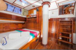 Ketch 26M Interior 2