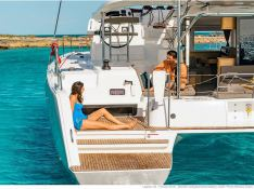 Lagoon 42 with A/C Exterior 2