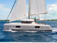 Lagoon 42 with A/C Exterior 3
