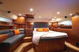 yacht 655 Oyster Marine Interior 4
