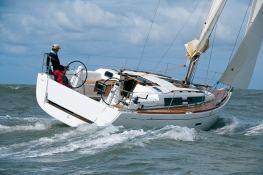Dufour 335 Dufour Yachts Exterior 2