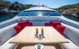 Tiger Lily Of London Pershing Yachts Pershing 90 Exterior 4