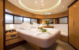 Tiger Lily Of London Pershing Yachts Pershing 90 Interior 5
