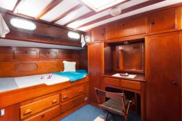 Sloop 72  Interior 4