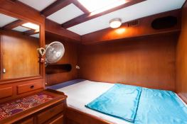 Sloop 72  Interior 3