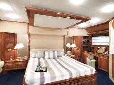Yacht 810 Ferretti Interior 3