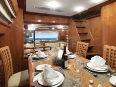Yacht 810 Ferretti Interior 2