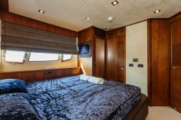 Predator 82' Sunseeker Interior 10