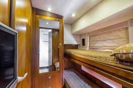 Predator 82' Sunseeker Interior 12