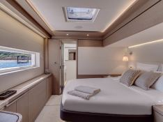 Adriatic Dragon  Lagoon Catamaran Lagoon 77 Interior 3